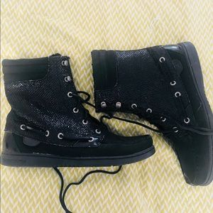 BLACK SPARKLY SPERRY BOOTS